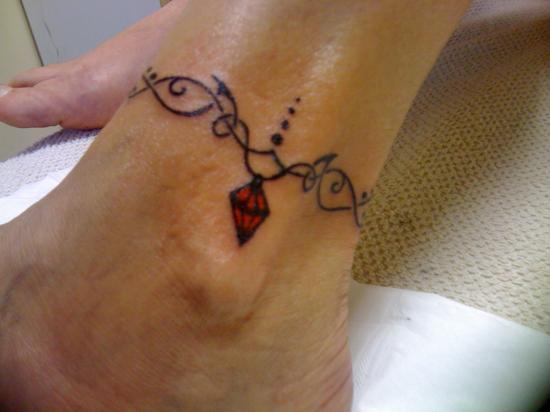 tatouage bracelet cheville tattoo tatouage bracelet sur. Black Bedroom Furniture Sets. Home Design Ideas