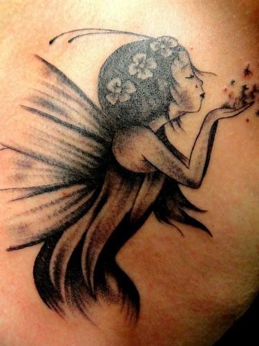 tatouage elfe dans la nature tatouage elfique sur