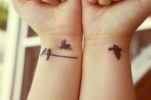 tatouage groupe d 39 oiseaux tatouage oiseau sur. Black Bedroom Furniture Sets. Home Design Ideas