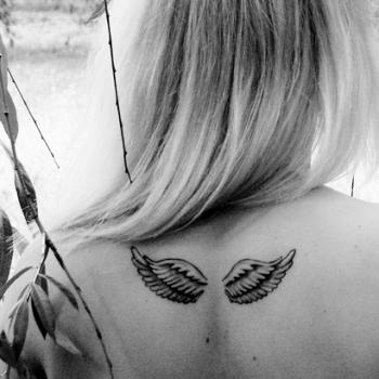 Tatouage petites ailes d 39 ange tatouage ailes d 39 ange sur - Tatouage ailes d ange ...