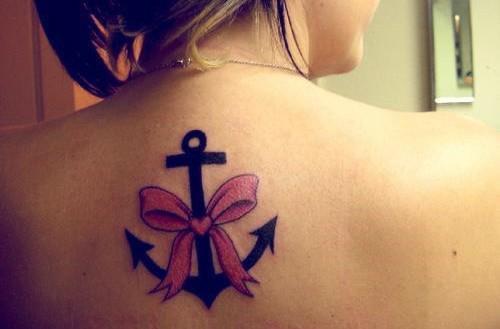tatouage ancre et noeud