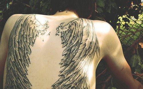 tatouage ange aile tatouage ailes d 39 ange sur. Black Bedroom Furniture Sets. Home Design Ideas
