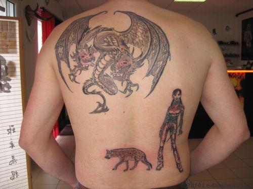 tatouage de dragon tatouage dragon sur. Black Bedroom Furniture Sets. Home Design Ideas