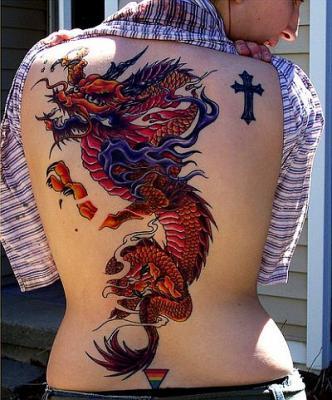 tatouage dragon rouge