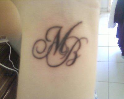 tatouage lettre sur modele2tatouage