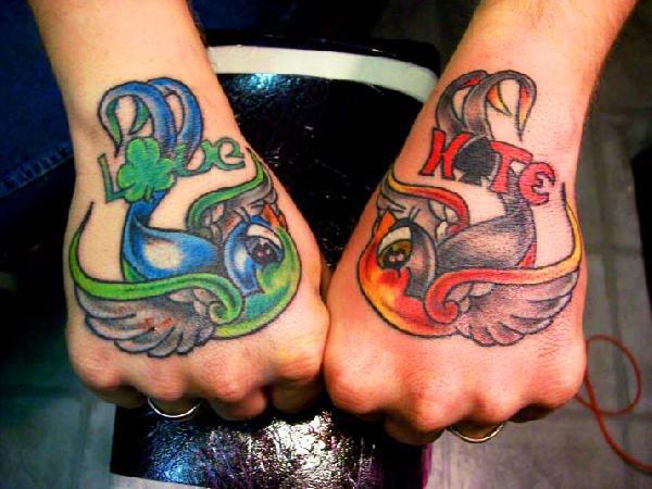 tatouage oiseau couleur