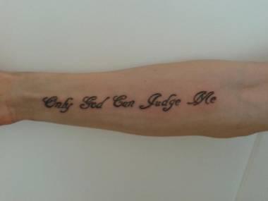 tatouage phrase dieu