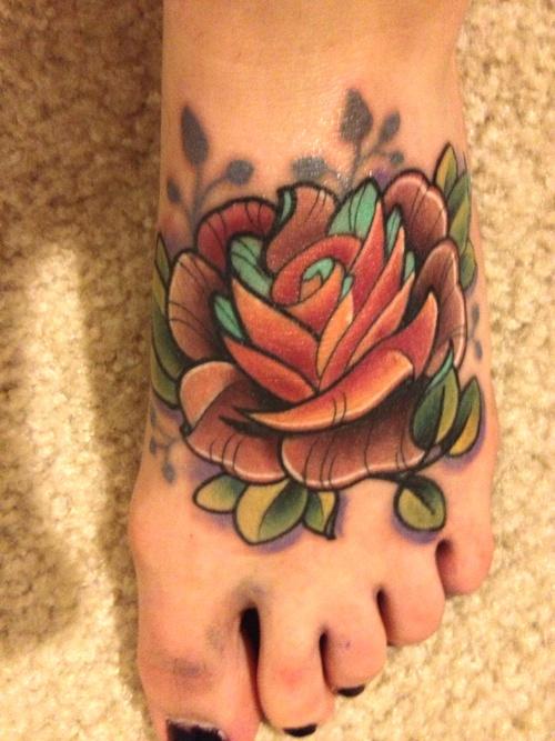 tatouage pied fleur