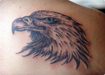 tatouage tête d'aigle