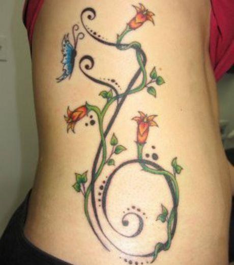 tattoo fleur côté
