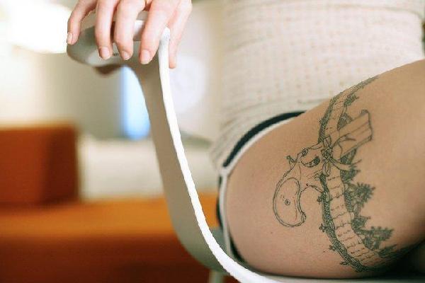 Ton arme préférée : le tatouage !